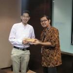Dr. Mursitama kepala departemen HI Binus bersama Dr. Kimura