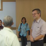 Suasana diskusi di kantor HI Binus