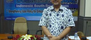 Tirta Mursitama sebagai pembicara dalam acara South-South Cooperation di Universitas Brawijaya 1Februari 2012