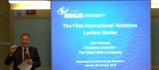 kuliah perdana IR Lecture series dengan tema globalisasi
