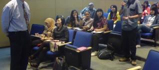 Prof. Samuel C.Y. Ku dari National Sun Yat-Sen University, Taiwan memberikan kuliah umum kepada para mahasiswa HI Binus