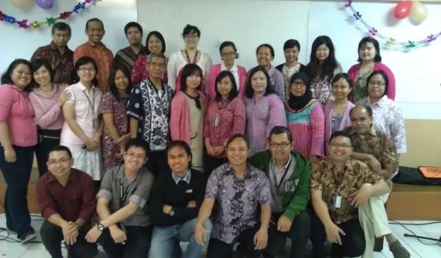 Foto bersama angkringan humaniora