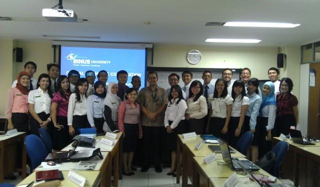Dr Tirta bersama Peserta Sekdilu Kelas B