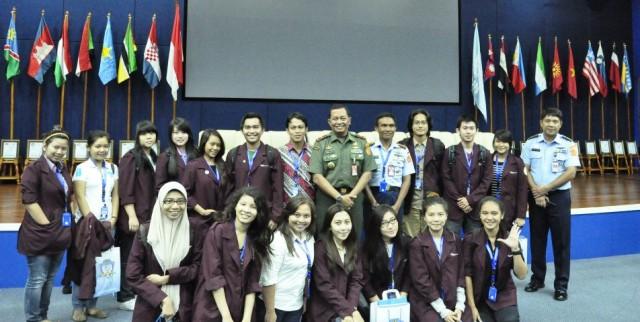 Foto Bersama Komandan PMPP TNI, Brigjen Imam