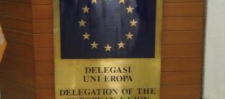 Berada di kantor EU