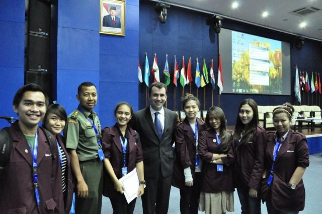 Bersama dengan Pembicara dalam Seminar UN Peacekeeper Day
