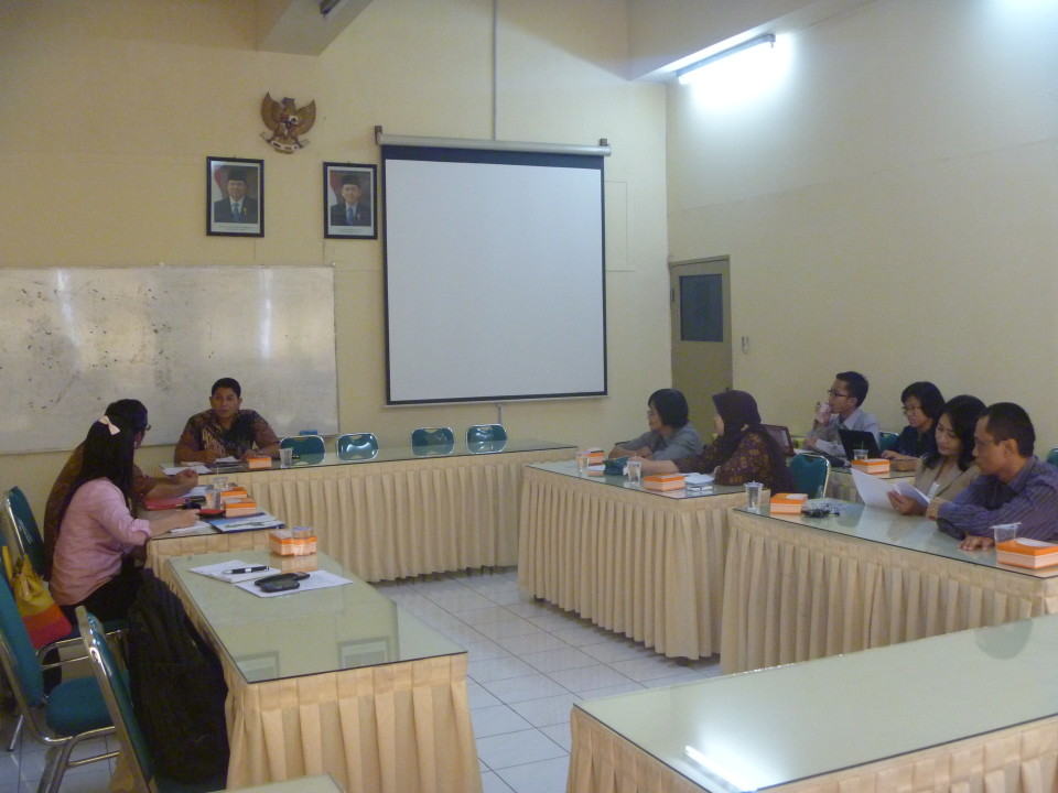 Focus Group Discussion bersama HI UNISRI Solo 22 April 2013