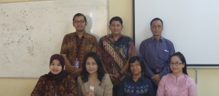 Tim Peneliti Hikom HI BINUS bersama Jajaran HI UNISRI 23 April 2013