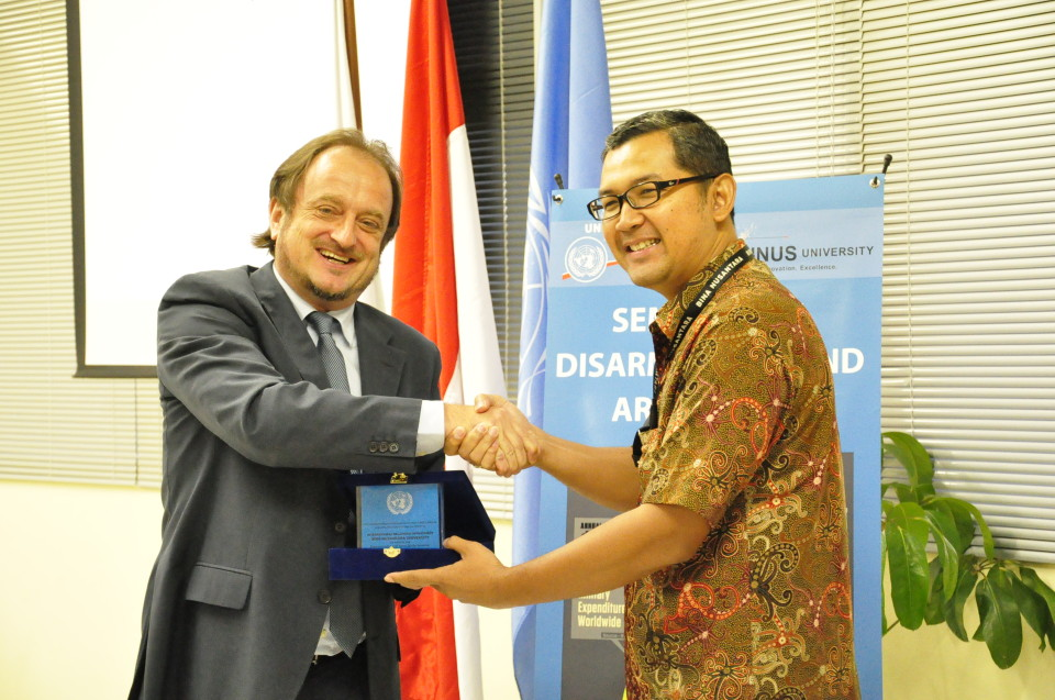 Michele Zaccheo (Director of the UNIC Jakarta) dan Tirta Mursitama, PhD (HI Binus)