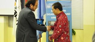 Michele Zaccheo (Director of the UNIC Jakarta) danBapak Febrian A Ruddyard (Direktur Keamanan Internasional dan Pelucutan Senjata Kementerian Luar Negeri Republik Indonesia)