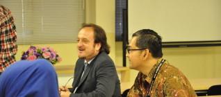 Seminar mengenai Arms Trade