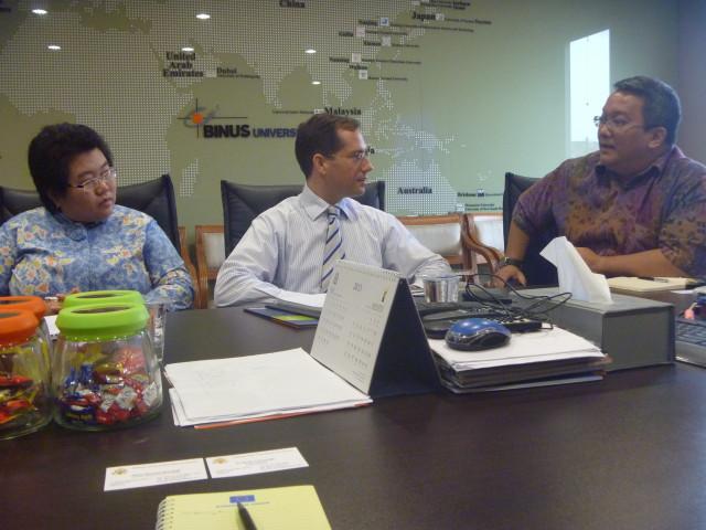 Diskusi antara Pihak Binus dan Kedube AS selama pertemuan