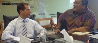 Dr. Boto Simatupang dan Scott M. Ceremuga
