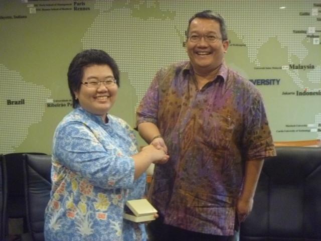Meta Silvyani Suwandi dan Dr. Boto Simatupang