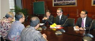 Menteri Luar Negeri Marty Natalegawa sedang memberikan masukan terhadap perkembangan ilmu HI kedepan