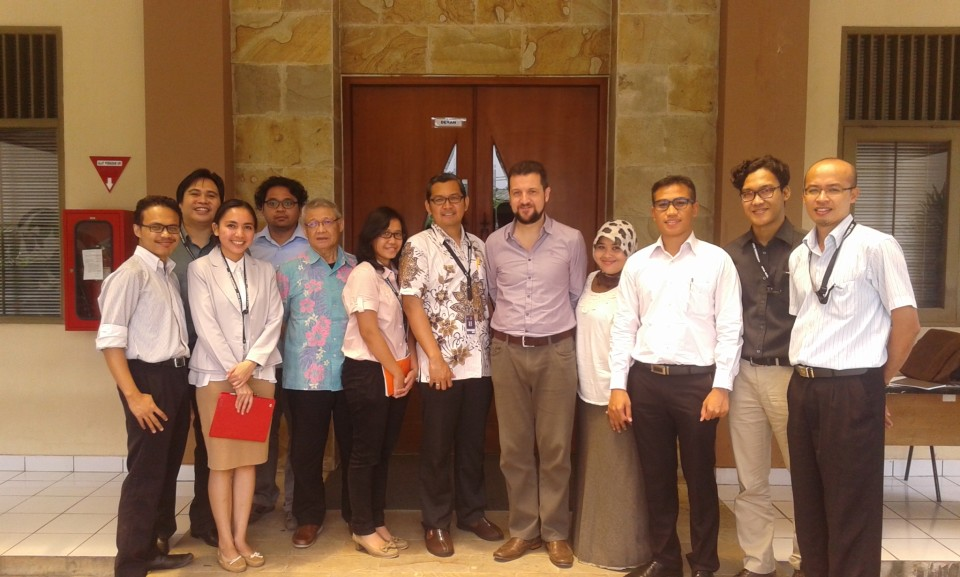Dr. Graham with Faculty Members of BINUS IR