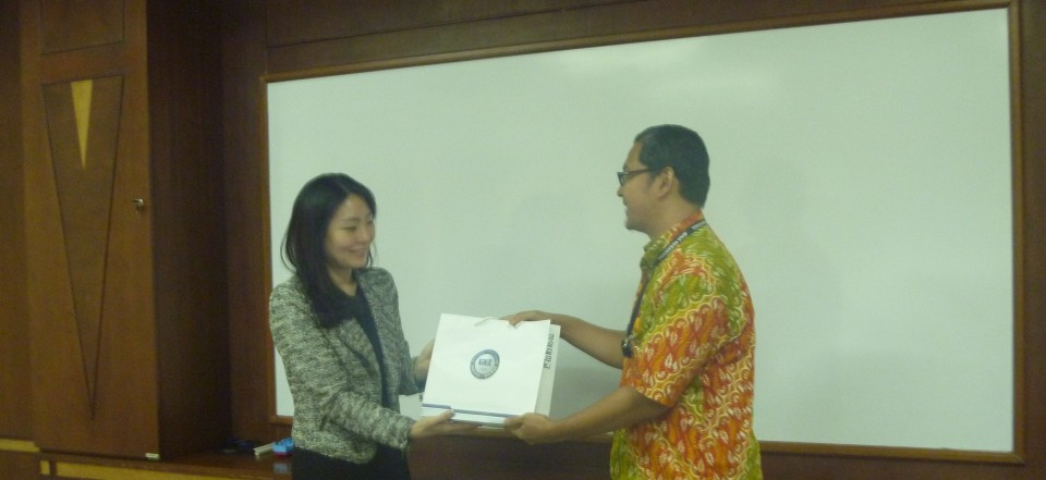 Ms. Yuni Kang, Manager, Office of International Cooperation, Hanyang University (Korea Selatan, 25022014) - Copy