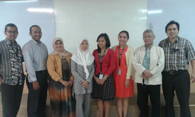 Photo with Curie Maharani in Kijang Initiatives