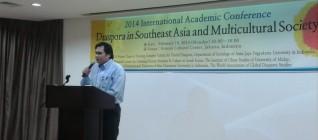 Dr. Johanes Herlijanto , lecturer specialist, Departemen HI Binus memberikan kata sambutan di Konferensi Internasional