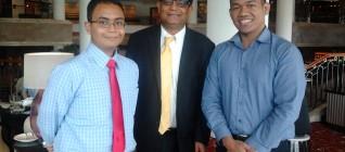 Dari kiri ke kanan: Wirya Adiwena (Staf di Kantor Khusus Presiden Bidang Hubungan Internasional), Prof. Amitav Acharya (American University), dan Mochammad Faisal Karim (Researcher CBDS)