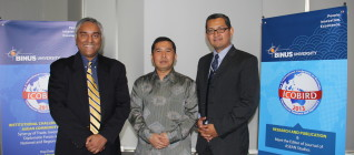 Prof Leonard Sebastian, Prof Yanyan, and Dr. Tirta Mursitama