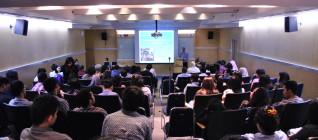 Suasana Kuliah Umum dengan Prof. Ron Matthews