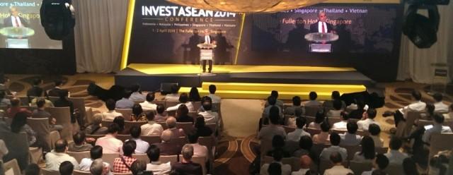 Kishore Mahbubani memberikan Sambutan dalam acara Invest ASEAN 2014