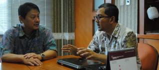 Prof Jun Honna dan Tirta Mursitama, PhD
