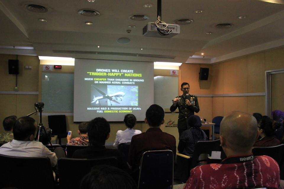 Mayor Agus Yudhoyono menjelaskan perihal teknologi drone