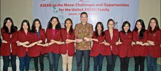 Mahasiswa HI Binus dalam Seminar ASEAN On The Move yang Diselenngarakan oleh ASEAN Secretariat