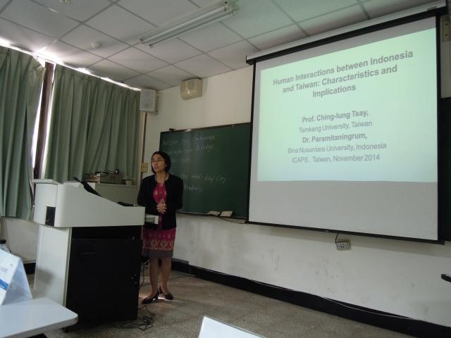 Dr. Paramitaningrum memberikan presentasi di Tamkang University, Taiwan dalam ICAPS Conference