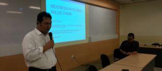Dr. Dionisius membuka presentasi mengenai Value Chain