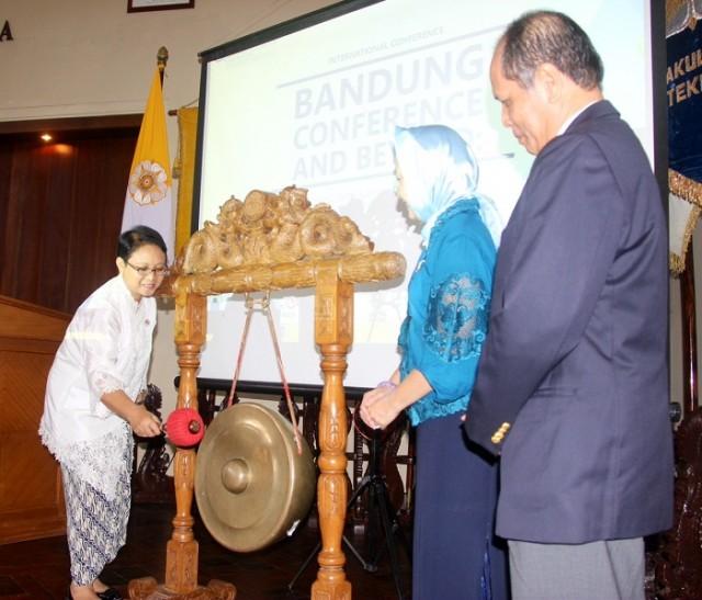 Menteri Retno Membuka Konferensi Bandung Conference and Beyond