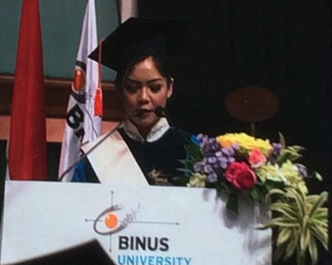 Nathacia Suhendra, pidato atas nama wisudawan/ti Wisuda 55