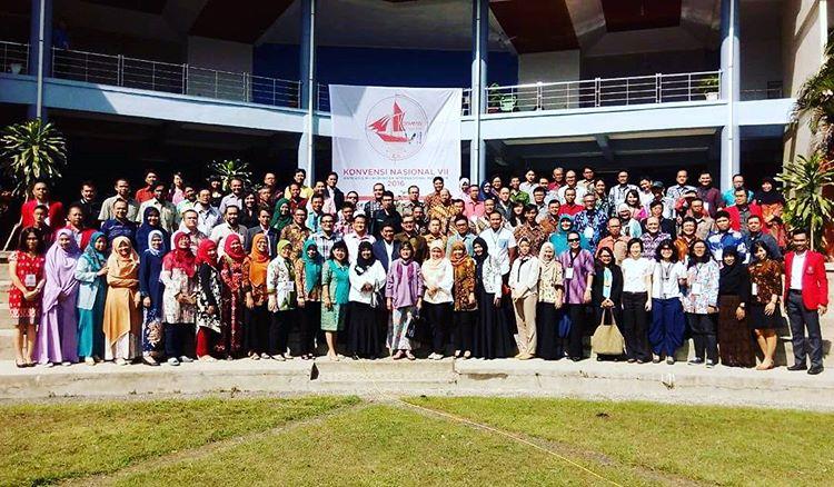 Pengurus AIHII & delegasi prodi HI se-Indonesia dalam Vennas VII AIHII