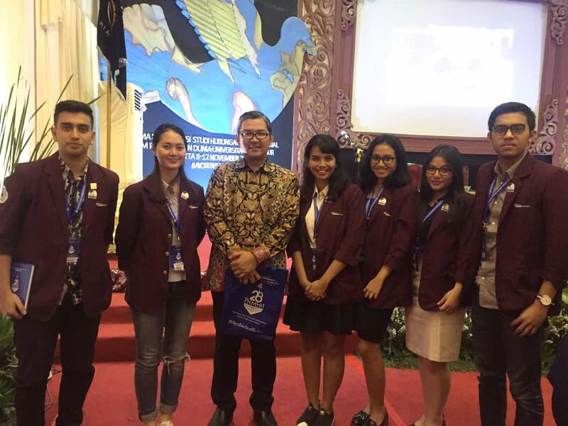 Delegasi HI Binus dalam PNMHII ke-28